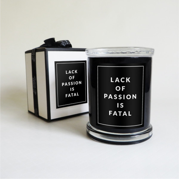 Lighten up candle co – Lack of Passion – black-01